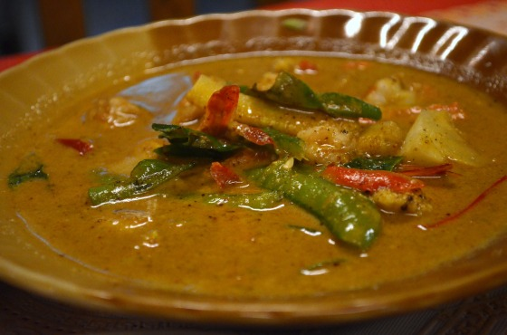 House of Haos Sri Nuan Lamai Koh Samui Thailand Chicken Red Curry