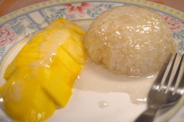 House of Haos Sri Nuan Lamai Koh Samui Thailand Mango Sticky Rice Dessert 2