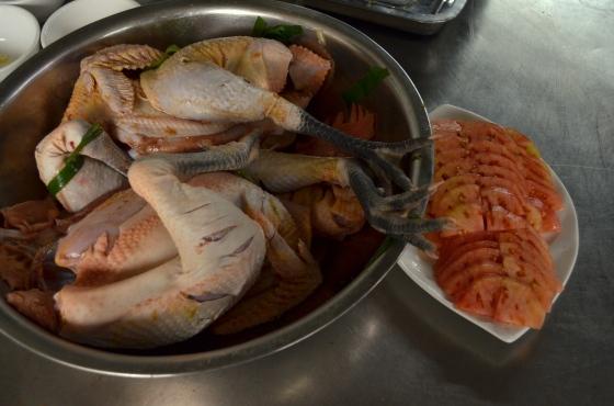 House of Haos Kunming Yunnan Haobao Organic Farm Kitchen Chicken Tomatoes