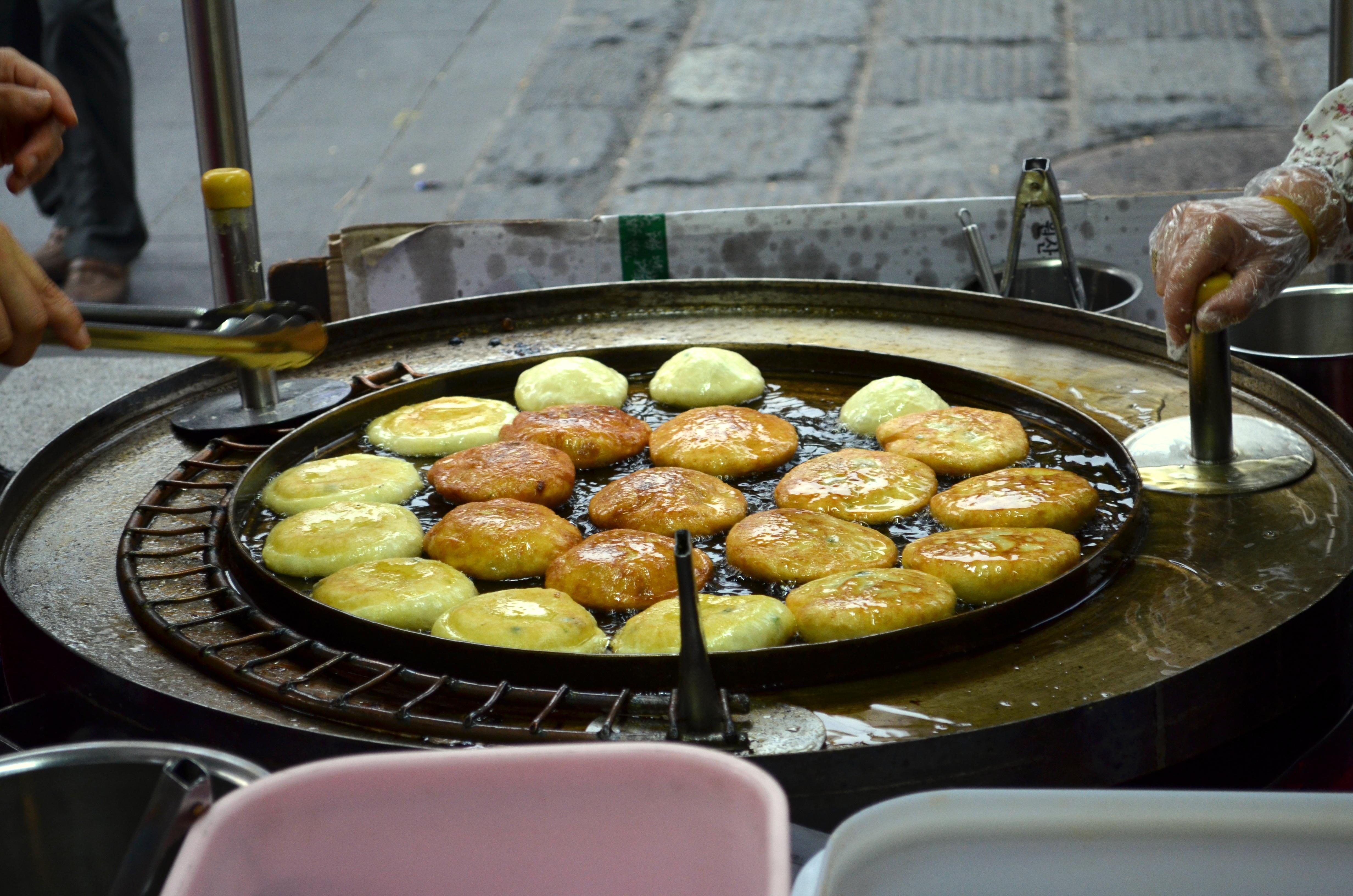Street Eats: Insadong and Namdaemun Market – Seoul, Korea