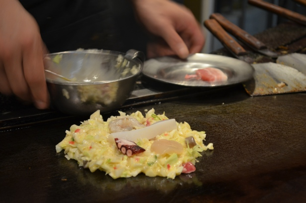 House of Haos Mizuno Okonomiyaki Osaka Japan Seafood Pancake 2